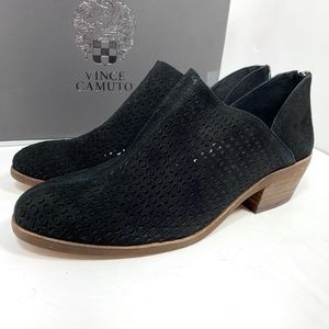 New with box: Vince Camuto Black Booties